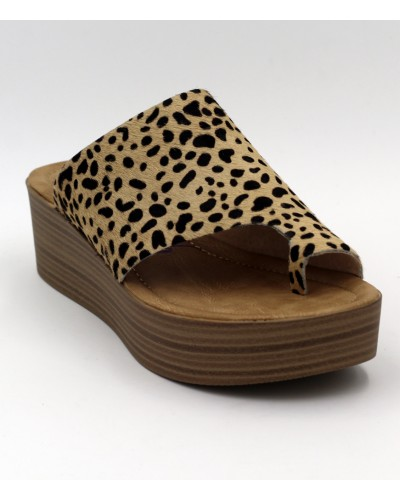 Laslett in Tan Leopard by Blowfish