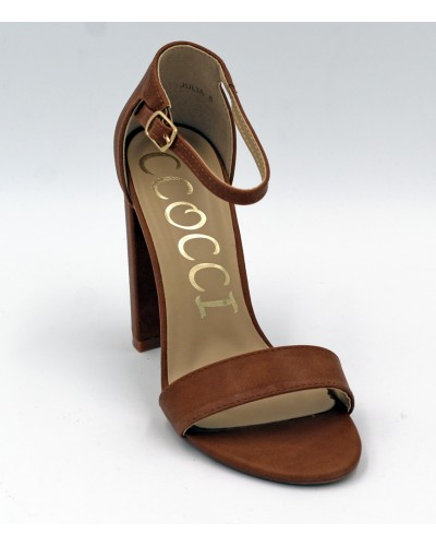 Heel in Camel by ccocci